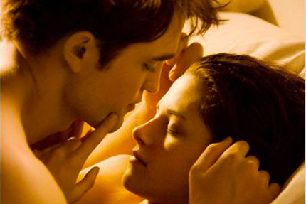 Condon, Bill. Twilight, chapitre 4 : Révélation 1e partie. 2011