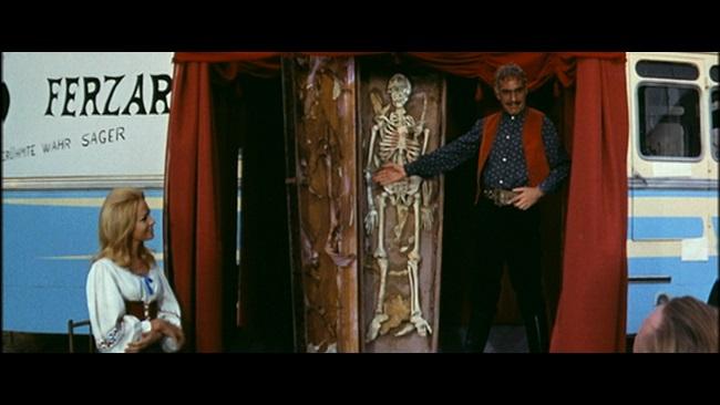 Demichelli, Tulio. Dracula contre Frankenstein. 1970