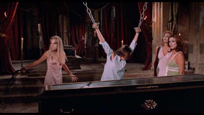 Aguirre, Javier. El gran amor del conde Drácula. 1973